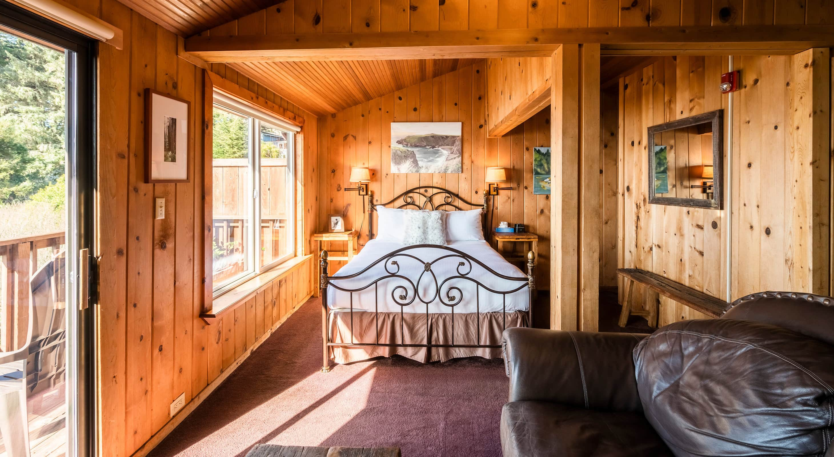 Cabin 4 bed in the sunlight