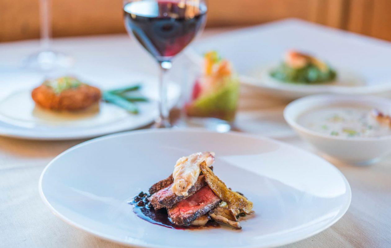 A tasting menu of crab and wine